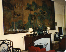Interior of Chateau du Couloume - Chinese screen wall decoration